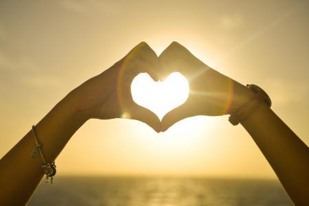 23 citátů o lásce v angličtině od velkých autorů